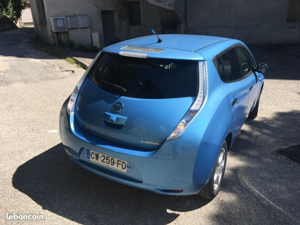 voiture lectrique occasion nissan leaf 24 kwh nissan leaf acenta. Black Bedroom Furniture Sets. Home Design Ideas